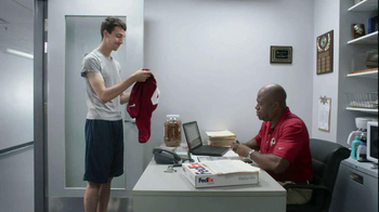 FedEx Delivery Manager TV Spot, '6th String Quarterback' - Thumbnail 7