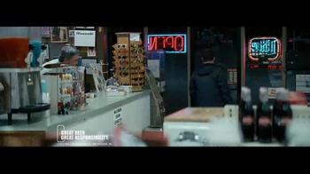 Miller Lite TV Spot, 'Karaoke' - Thumbnail 8