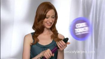 Instyler Ionic Styler Pro TV Spot, 'Frizz Fighter' - Thumbnail 3