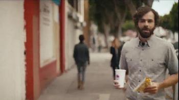 Taco Bell Grilled Stuft Nacho TV Spot, 'Sharing Sucks' - Thumbnail 7