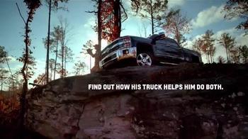 Chevrolet Silverado TV Spot, 'Hunter and Blogger' - Thumbnail 3