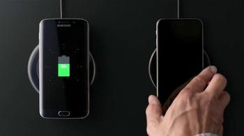 Samsung Galaxy S6 Edge TV Spot, '6v6: Wireless Charging, Wide Angle Selfie' - Thumbnail 4
