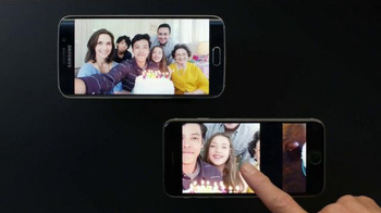 Samsung Galaxy S6 Edge TV Spot, '6v6: Wireless Charging, Wide Angle Selfie' - Thumbnail 7