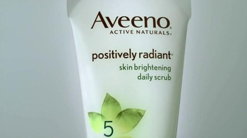 Aveeno Positively Radiant Skin Brightening Scrub TV Spot, 'Bright Side' - Thumbnail 2