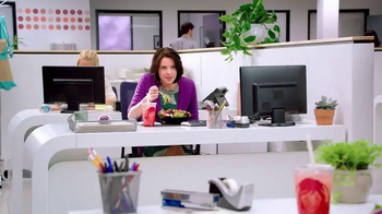 Wendy's Strawberry Fields Chicken Salad TV Spot, 'Office in a Summer Field' - Thumbnail 1