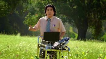 Wendy's Strawberry Fields Chicken Salad TV Spot, 'Office in a Summer Field' - Thumbnail 5
