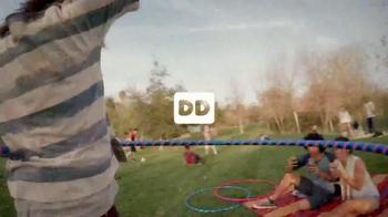 Dunkin' Donuts Oreo and Chips Ahoy! Iced Coffees TV Spot, 'Hula Hoop' - Thumbnail 2