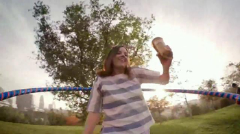 Dunkin' Donuts Oreo and Chips Ahoy! Iced Coffees TV Spot, 'Hula Hoop' - Thumbnail 3