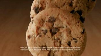 Dunkin' Donuts Oreo and Chips Ahoy! Iced Coffees TV Spot, 'Hula Hoop' - Thumbnail 7