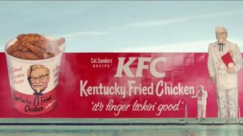 KFC TV Spot, 'Ask Any Lifeguard' Featuring Darrell Hammond - Thumbnail 10