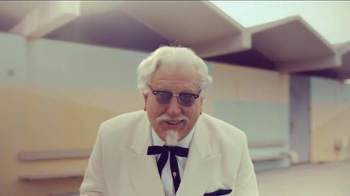 KFC TV Spot, 'Ask Any Lifeguard' Featuring Darrell Hammond - Thumbnail 2