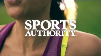 Sports Authority Champion Gear TV Spot, 'Ropa de Alta Desempeño' [Spanish] - Thumbnail 1