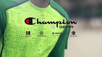 Sports Authority Champion Gear TV Spot, 'Ropa de Alta Desempeño' [Spanish] - Thumbnail 6