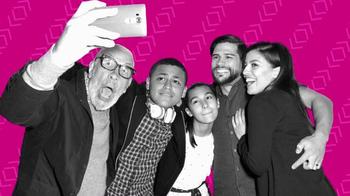 T-Mobile TV Spot, 'Golazo' [Spanish] - Thumbnail 1