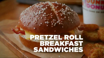 Dunkin' Donuts Pretzel Roll Breakfast Sandwiches TV Spot, 'Game Changer' - Thumbnail 8