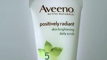 Aveeno Positively Radiant TV Spot, 'Luminoso' Con Jennifer Aniston[Spanish] - Thumbnail 2