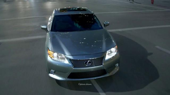 Lexus ES 350 and ES 300h TV Spot, 'Absolutely Unforgettable' - Thumbnail 1