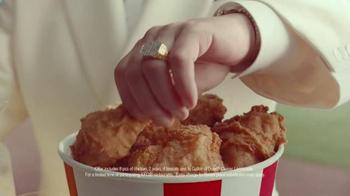 KFC TV Spot, 'Baseball' Featuring Darrell Hammond - Thumbnail 9