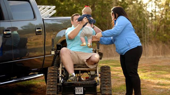 Ford TV Spot, 'Enabling Disabled Vets:  Everyday Heroes' - Thumbnail 3