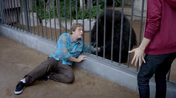 Mentos TV Spot, 'Gorilla' - Thumbnail 5