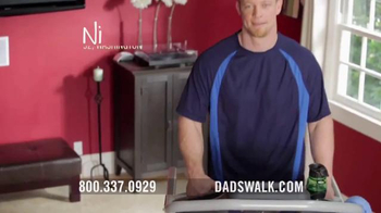 Bowflex Treadclimber TV Spot, 'Dads walk' - Thumbnail 4