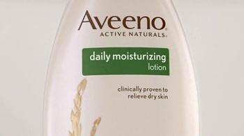 Aveeno Daily Moisturizing Lotion TV Spot, 'Nutrientes' [Spanish] - Thumbnail 5