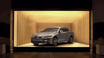 Lexus L/Certified TV Spot, 'Window Shopping' - Thumbnail 2