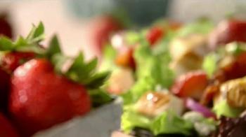 Wendy's Strawberry Fields Chicken Salad TV Spot, 'Wedding' - Thumbnail 2
