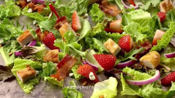 Wendy's Strawberry Fields Chicken Salad TV Spot, 'Wedding' - Thumbnail 8