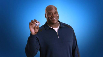 Icy Hot Smart Relief TV Spot, 'In the Kitchen' Featuring Shaquille O'Neal - Thumbnail 3