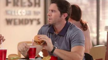 Wendy's Crispy Dill Chicken Sandwich TV Spot, 'Una gran idea' [Spanish] - Thumbnail 4