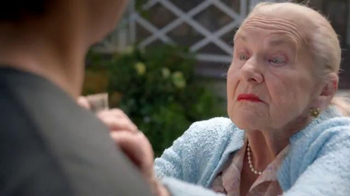 Pizza Hut Hershey's Triple Chocolate Brownie TV Spot, 'Grandma's Brownies' - Thumbnail 3