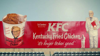 KFC TV Spot, 'Bucket in My Hand' Featuring Darrell Hammond - Thumbnail 10