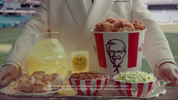 KFC TV Spot, 'Bucket in My Hand' Featuring Darrell Hammond - Thumbnail 7