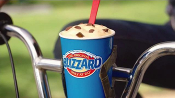 Dairy Queen Rolo Minis Blizzard TV Spot, 'Summer's Not Over' - Thumbnail 6