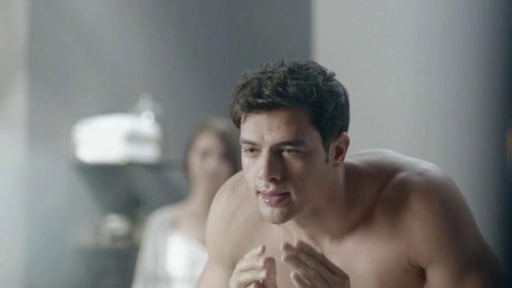 Gillette Mach3 Turbo TV Commercial, 'Ten Shaves' Song by Underworld