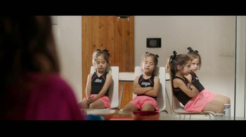 XFINITY X1 TV Spot, 'Cuatrillizos y prioridades' [Spanish] - Thumbnail 3