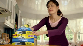 Glad ForceFlex TV Spot, 'Stretch It, Kick It'