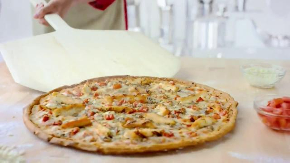 Papa John's Grilled Chicken Margherita Pizza TV Commercial, 'Light and Fresh'