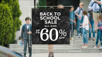 Old Navy TV Spot, 'School Picture Day' Featuring Julia Louis-Dreyfus - Thumbnail 8