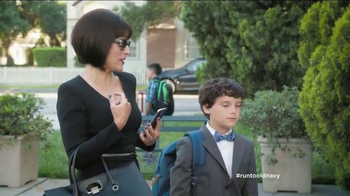 Old Navy TV Spot, 'School Picture Day' Featuring Julia Louis-Dreyfus - Thumbnail 6