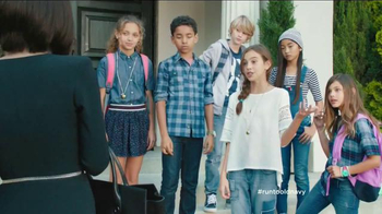 Old Navy TV Spot, 'School Picture Day' Featuring Julia Louis-Dreyfus - Thumbnail 7