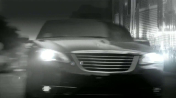 Chrysler 200 TV Spot [Spanish] - Thumbnail 4
