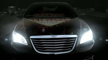 Chrysler 200 TV Spot [Spanish] - Thumbnail 9