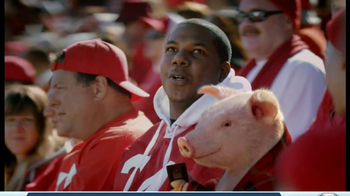 Geico App TV Spot, 'Pig in a Blanket' - Thumbnail 6