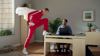 Kia Optima TV Spot, 'Zip Line' Feat. Blake Griffin, Jack McBrayer - Thumbnail 10