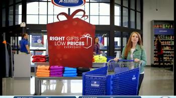 Academy Sports + Outdoors TV Spot, 'Holiday Shopping' - Thumbnail 1