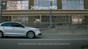 Volkswagen Sign Then Drive Event TV Spot, 'Just a Signature' - Thumbnail 4