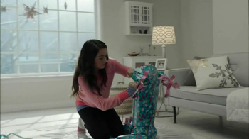 Target Christmas TV Spot, 'Unwrap' - Thumbnail 4