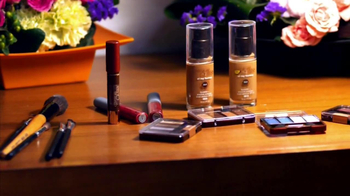 BET and Walmart TV Spot, 'Cosmetics' Featuring Dale Dees - Thumbnail 7